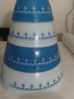 Snowflake Garland Pyrex Vintage Mixing Bowls for Sale in San Dimas,  CA