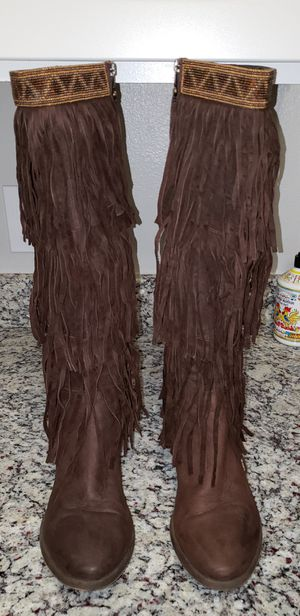 Donald Pliner Western Fringe Boots (9.5-10) for Sale in Murfreesboro, TN