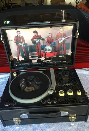 Beatles pickup CD player/radio for Sale in Fremont, CA