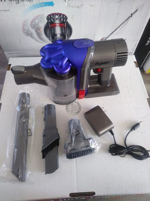 Dyson V6 Hand Held Cordless Vacuum (Firm) for Sale in Torrance, CA