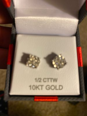 1/2 carat pair of diamond earrings in mint condition for Sale in Moreno Valley, CA