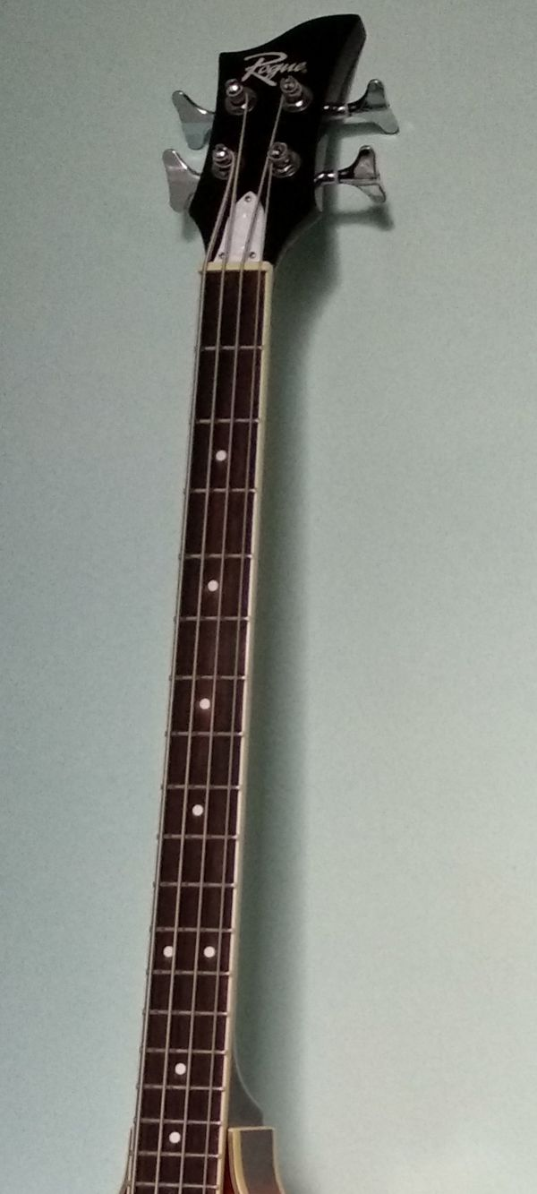 Bass Rogue with amp fender 25'