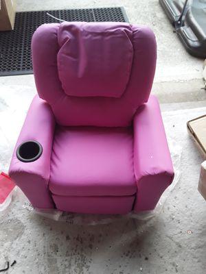 New kids pink recliner for Sale in Jonesboro, GA