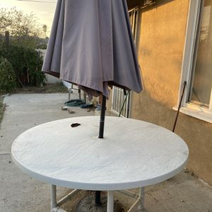 FREE‼️ PATIO SET for Sale in Fontana, CA