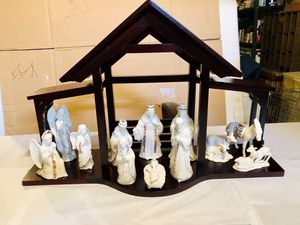 Lenox China Jewels Nativity, 12 Ceramic Pieces and Large Crèche for Sale in Rochester, MI