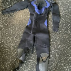 ScubaPro Ladies Size Small 3mm Wetsuit for Sale in Safety Harbor, FL
