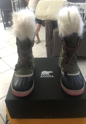 Snow Boots for Sale in Hialeah, FL