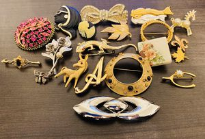 20 brooches lot for Sale in Richardson, TX