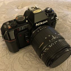 Nikon Camera With Lens In Excellent condition📸 for Sale in Las Vegas,  NV