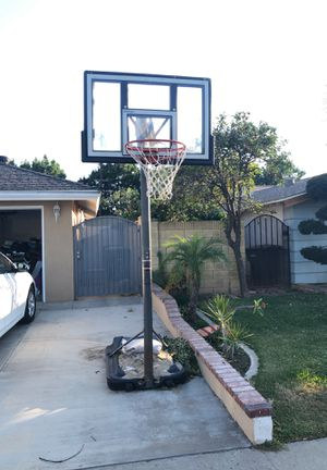 Adjustable basketball hoop for Sale in Orange, CA