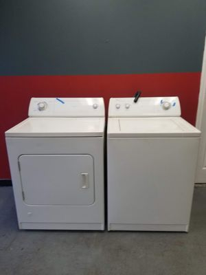 Whirlpool gas dryer and washer for Sale in Aurora, IL