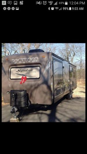 2014 Forrest River Rockwood Signature Ultra Lite Diamond Package 8239ss for Sale in Paragould, AR