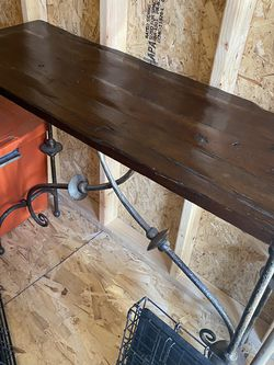Nice Solid Heavy Table for Sale in Clovis,  CA