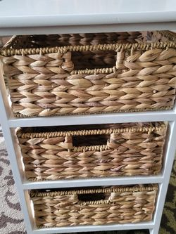 Shelf Unit w/ Wicker Baskets for Sale in Auburn,  WA