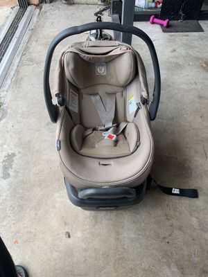 Double car seats by Preg Prego for sale for Sale in Kissimmee, FL