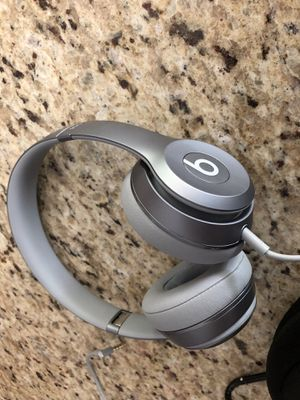 Beats by Dre Solo for Sale in Medfield, MA