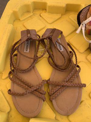 $4 size 9 women Steve Madden sandals for Sale in Lynwood, CA