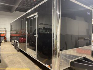 2018 United trailer enclosed 8.5x28' trailer for Sale in Skokie, IL