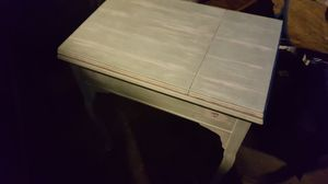 Seeing table chalk painted... antique refinished needs knobs.. for Sale in WA, US