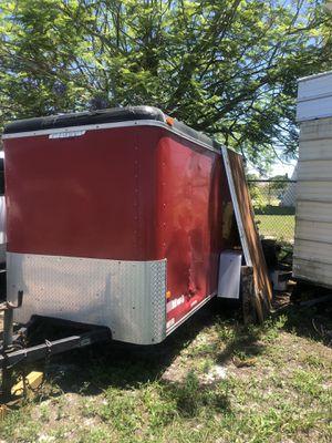 Trailer buenas condiciones debe de contada la erramienta k se ve adentro es un ejido completo para Rufin for Sale in Frostproof, FL