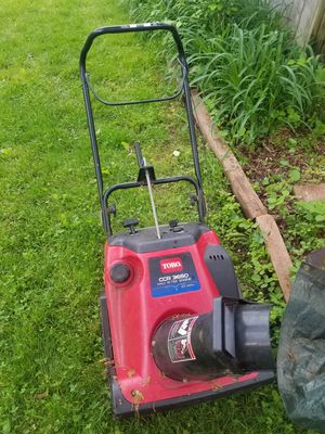 Toro snow blower doesn't start for Sale in Hopewell Township, NJ