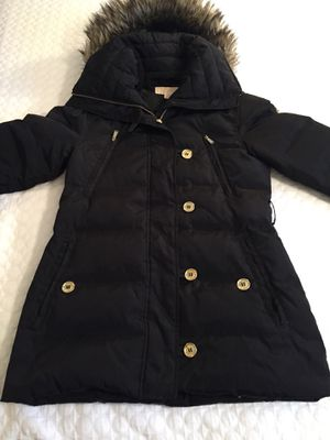AMAZING FIND! MICHAEL KORS DOWN FILLED WOMANS JACKET. FUR COLLAR. SAVE. for Sale in Evergreen, CO