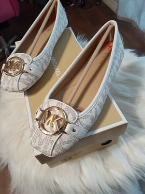 MICHAEL KORS SIZE 8 for Sale in Highland, CA