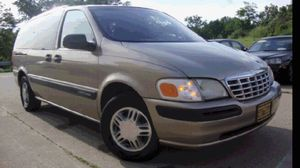 1999 Chevy Venture 200k miles runs and drives 3rd row!!! for Sale in Marlow Heights, MD