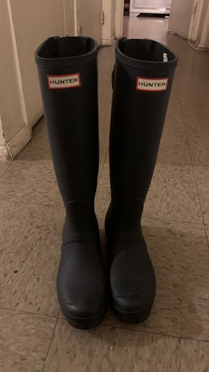 Hunter boots with no box size 8 in men and size 9 in women like brand new only work 1 time for Sale in The Bronx, NY