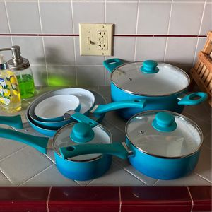 Aqua/teal Pot & Pan Set for Sale in Long Beach, CA