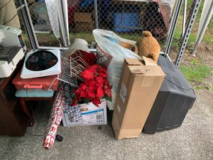 Small free pile must take all no picking for Sale in Puyallup, WA
