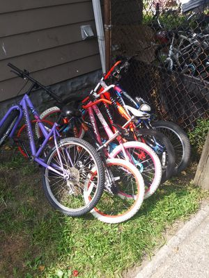 $40 for ALL 5 *PICKUP ONLY* all work as is minor work needed for Sale in Cleveland, OH