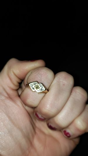 Womens 18k petite ring. for Sale in Colorado Springs, CO