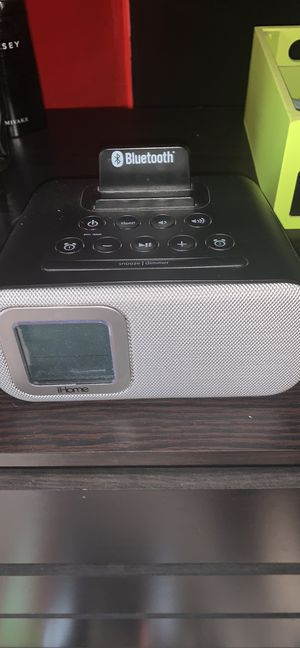Alarm clock with Bluetooth for Sale in Grove City, OH