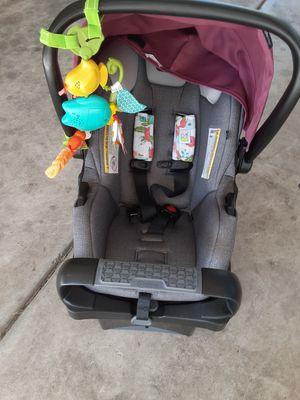 Evenflo baby car seat for Sale in Haltom City, TX