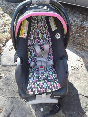 Baby Seat and Base. By Graco for Sale in Asheville, NC