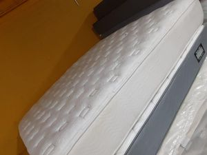 Mattress and box springs size king for Sale in Houston, TX