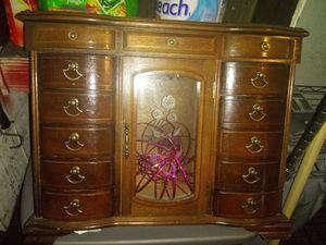 Vintage jewerly box for Sale in Avon Park, FL