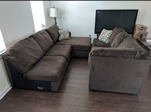 3-Piece Sectional sofa couch w/ Chaise lounge for Sale in Bryn Athyn, PA