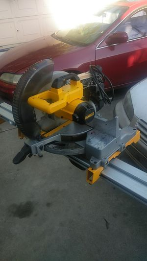 "DeWalt DW715 12"" COMPOUND MITER SAW & STAND. for Sale in Bakersfield, CA"