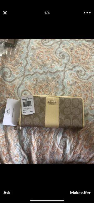 New coach wallet for Sale in El Cerrito, CA