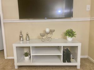 White TV stand (just used for 1 week!) for Sale in Palm Bay, FL