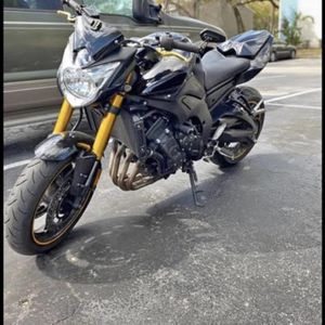 yamaha fz 800 model 2011 beautiful does not have to do anything new battery new brakes oil change ready 23 miles ready to roll for Sale in Tampa, FL