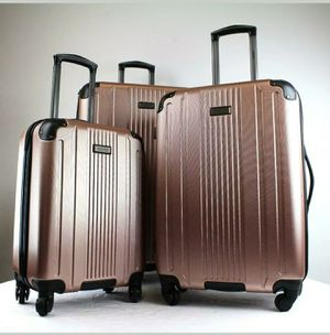 KENNETH COLE SUITCASE SPINNER LUGGAGE ROSE GOLD 1pc for Sale in Baltimore, MD