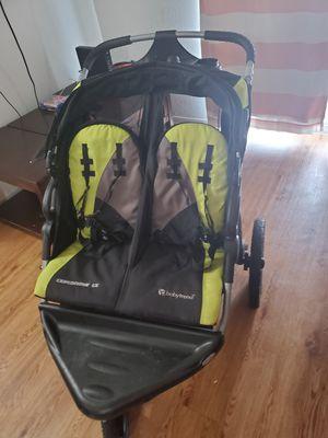Double stroller with built-in speaker for Sale in Pasadena, TX