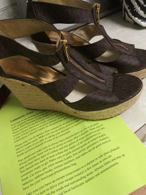 Michael kors shoes size 10 women for Sale in Lake Alfred, FL