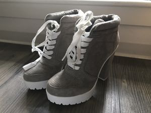 Brand new grey ankle boots from Aldo's for Sale in Winter Hill, MA