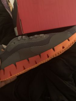 Reebok Zig DYNAMICA Orange/Gray for Sale in Raleigh,  NC