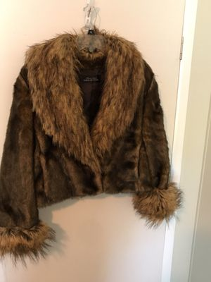 Donna Salyers Fabulous Furs for Sale in Galivants Ferry, SC