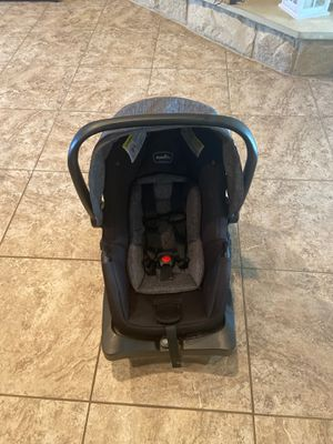 Evenflo car seat and base for Sale in Killeen, TX